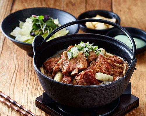 Masizzim Korean restaurant's signature pork rib stew meal in Singapore.