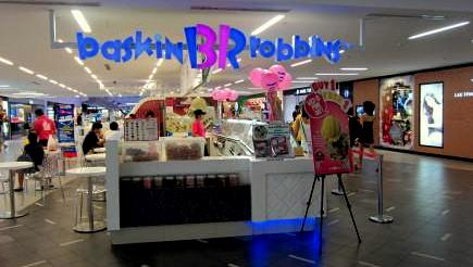 Baskin-Robbsin ice cream shop at nex mall in Singapore.