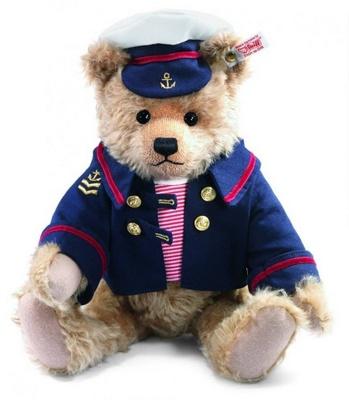 Hamleys of London toy store Steiffl soft toy bear.