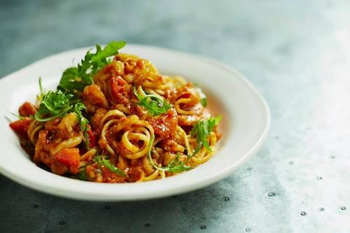 Jamie's Italian prawn linguine meal.