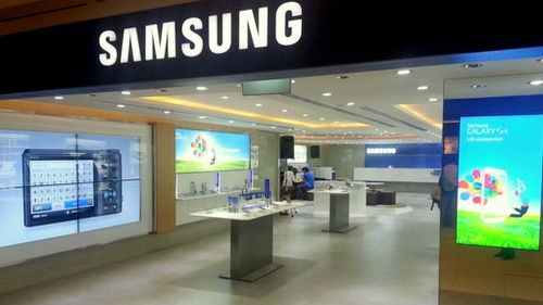 Samsung Experience Store at Paragon mall in Singapore.