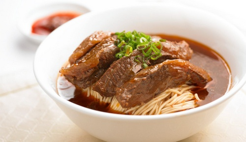 Din Tai Fung Special Braised Beef Noodle Soup with Beef Brisket Singapore.