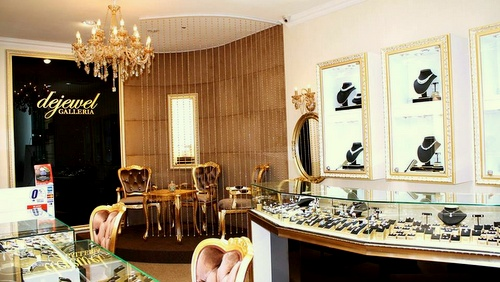 Dejewel Galleria jewellery store VivoCity Singapore.