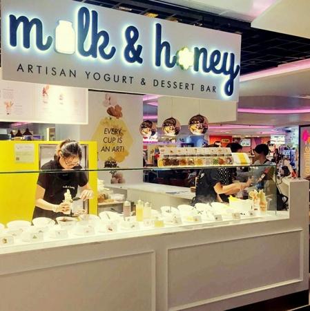 Milk & Honey - Artisan Yogurt & Dessert Bar Changi Airport Singapore.
