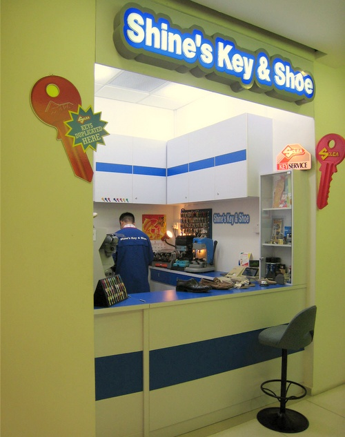 Shine's Key & Shoe service Novena Square 2 Singapore.