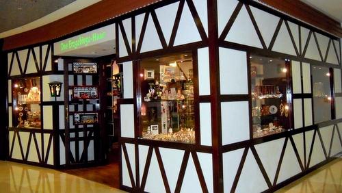 Das Erzgebirge Haus store ION Orchard Singapore.