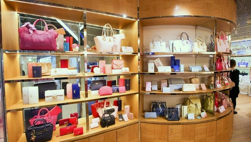 Samantha Thavasa bags ION Ochard Singapore.