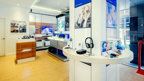 BOSE audio equipment shop Republic Plaza Singapore.