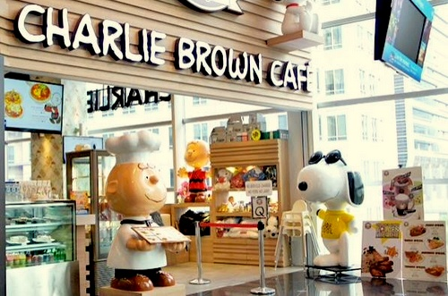 Charlie Brown Café Cathay Cineleisure Orchard Singapore.