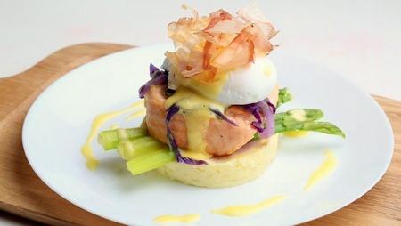 Nunkkot restaurant Baked Salmon meal Singapore.