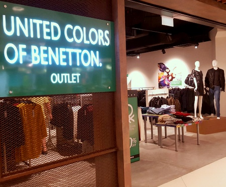 united colors of benetton clothing store in singapore