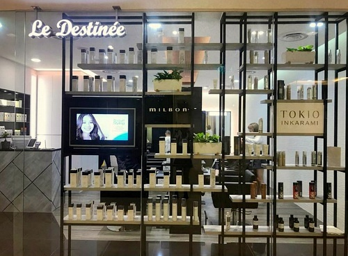 Le Destinēe hair and nail salon Plaza Singapura Singapore.