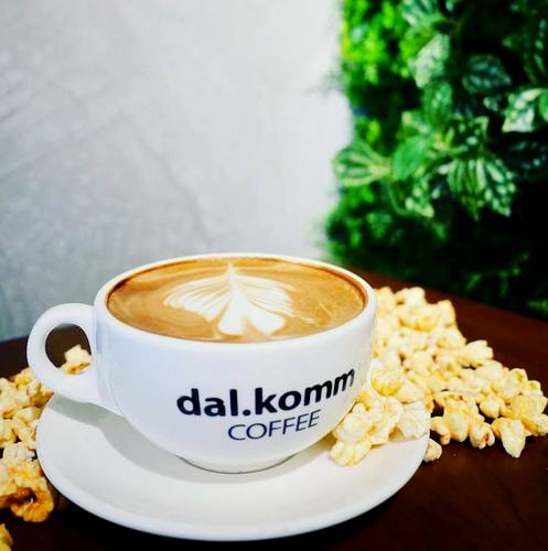 dal.komm COFFEE drink, available in Singapore.
