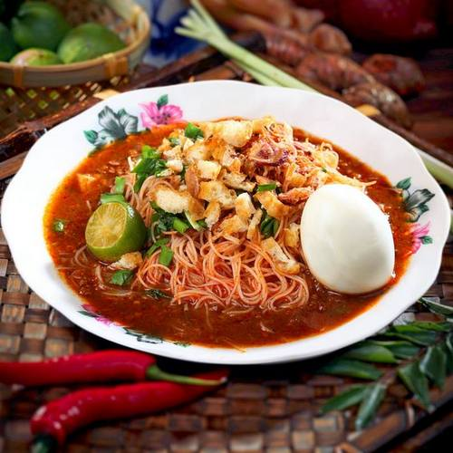 Encik Tan restaurant's Mee Siam meal, available in Singapore.