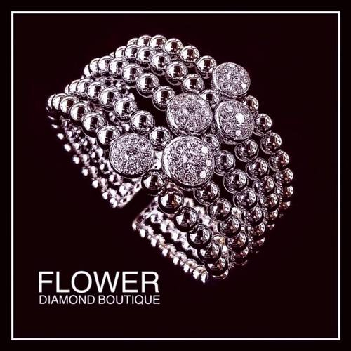 Flower Diamond boutique in Singapore.