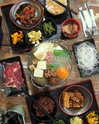 Jin Ho Mia restaurant's Ribeye Single Pot & Jia Chu Lai Rice Set meal, available in Singapore.