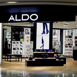 shoe stores hillside mall