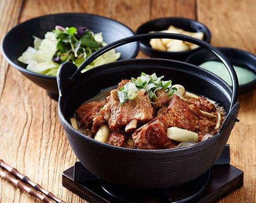 Masizzim Korean restaurant's signature pork rib stew meal in Singapore.