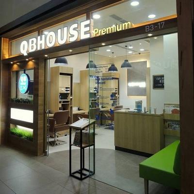 QB House Premium hair salon at 313@Somerset mall in Singapore.