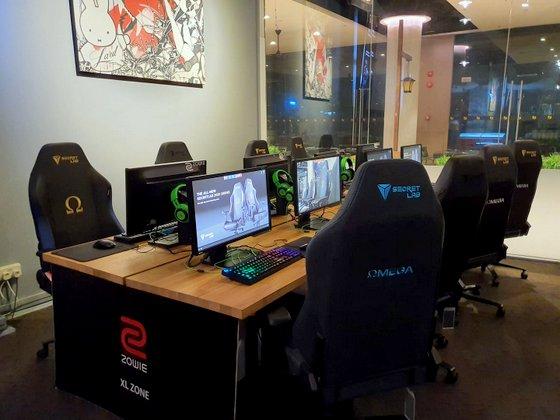 Colosseum - Internet Cafe Singapore - Downtown East.