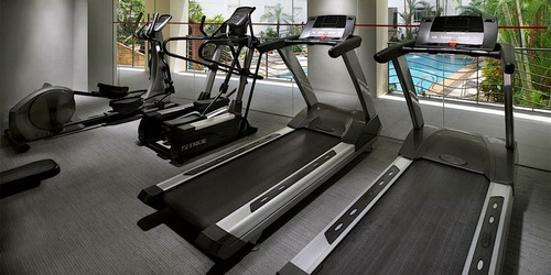 Rendezvous Hotel Singapore gym.