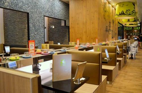 Sakae Sushi restaurant Orchard Gateway Singapore.