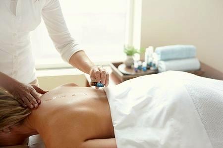Raindrop Technique Aromatherapy Massage.