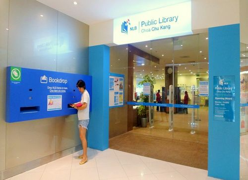 Choa Chu Kang Public Library in Singapore - Lot One Shoppers' Mall.