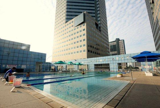 Swimming Classes for Kids in Singapore - State Swim - Suntec City.