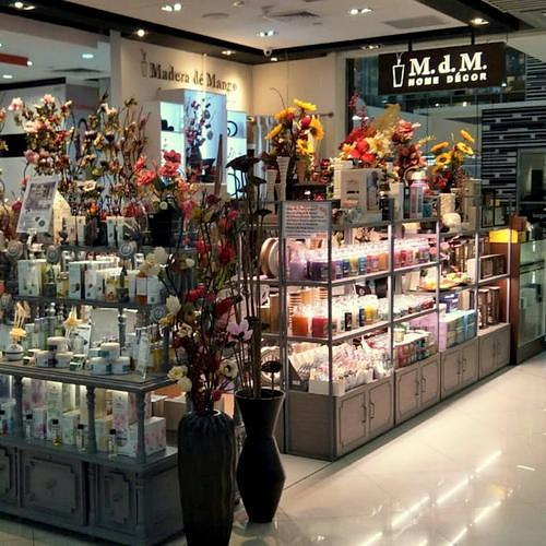 Madera de Mango Home Decor Shop in Singapore - Causeway Point.
