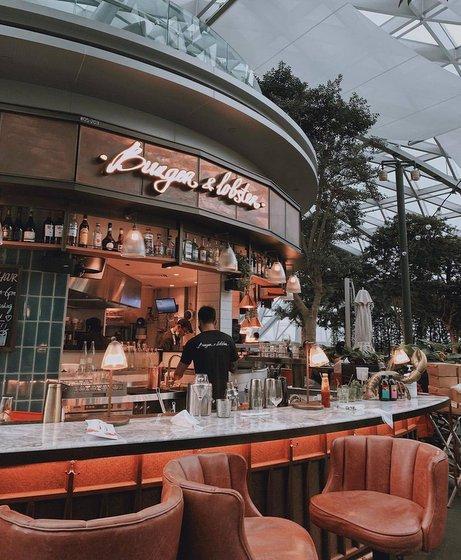 Burger & Lobster Restaurant in Singapore - Jewel Changi Airport.