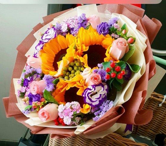 Flower Bouquet in Singapore - Floral Train.
