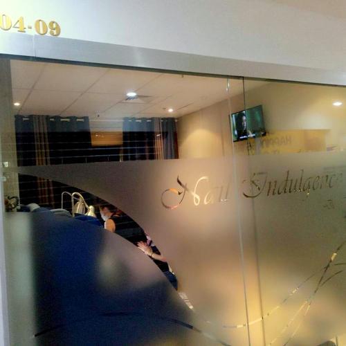 Nail Indulgence de Beau salon at Bugis Cube mall in Singapore.