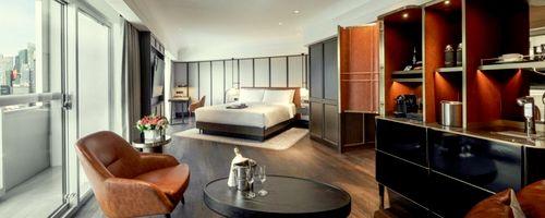 Fairmont Singapore hotel's guestroom.