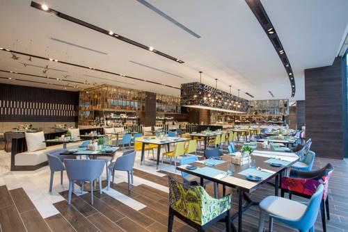 Food Exchange restaurant at Novotel Singapore on Stevens hotel.