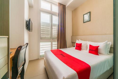 Guest room at RedDoorz Premium @ Serangoon.