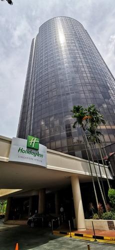 Holiday Inn Singapore Atrium hotel.