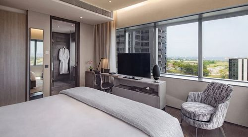 One-Bedroom Apartment at Oakwood Premier OUE Singapore.