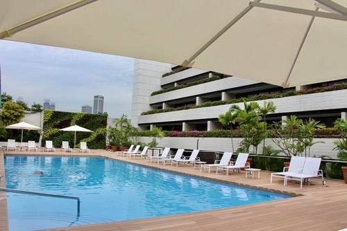 Pool at Concorde Hotel Singapore.
