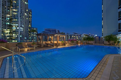 Swimming pool at Four Points by Sheraton Singapore, Riverview.