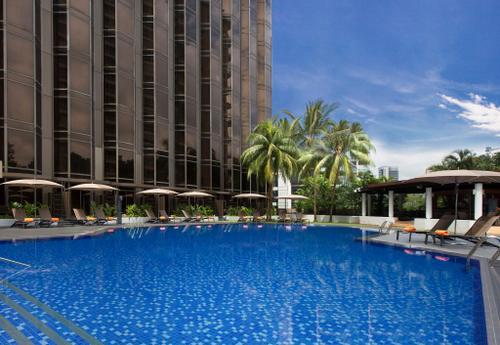Pool at Sheraton Towers Singapore hotel.