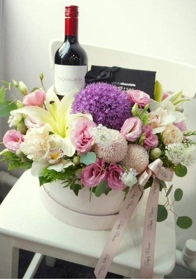 Flower Gift Box - Simply Flowers - Local Flower Shops in Singapore.