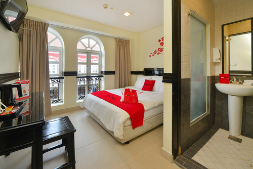 Guest room at RedDoorz near Marine Parade Central in Singapore.