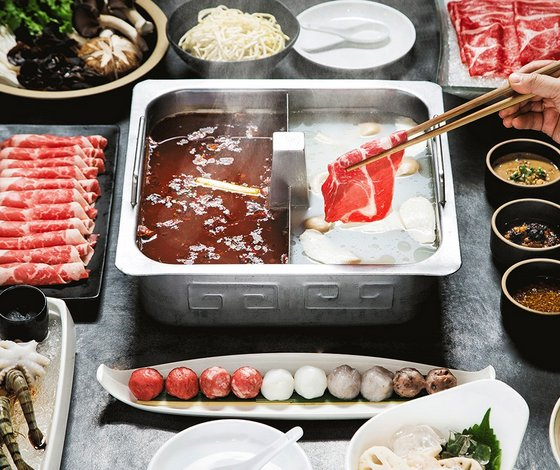 Hot Pot Restaurant in Singapore - Hai Di Lao Hot Pot.
