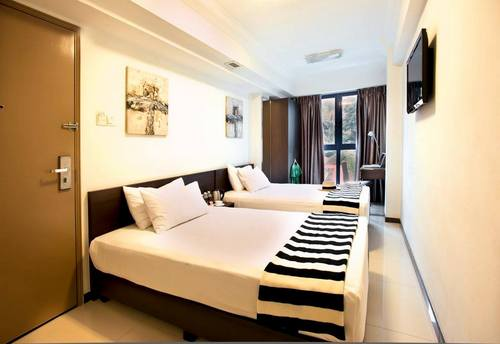 Twin room at Harbour Ville Hotel in Singapore.