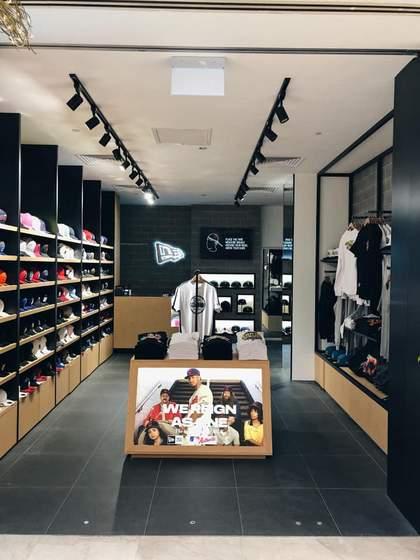 New Era shop Singapore - Wisma Atria.