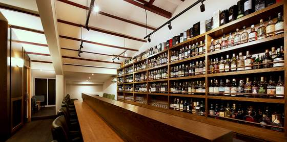 The Swan Song - Whisky Bars in Singapore.