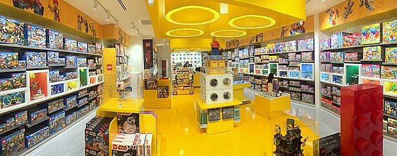 Bricks World LEGO Certified Stores in Singapore - ION Orchard.