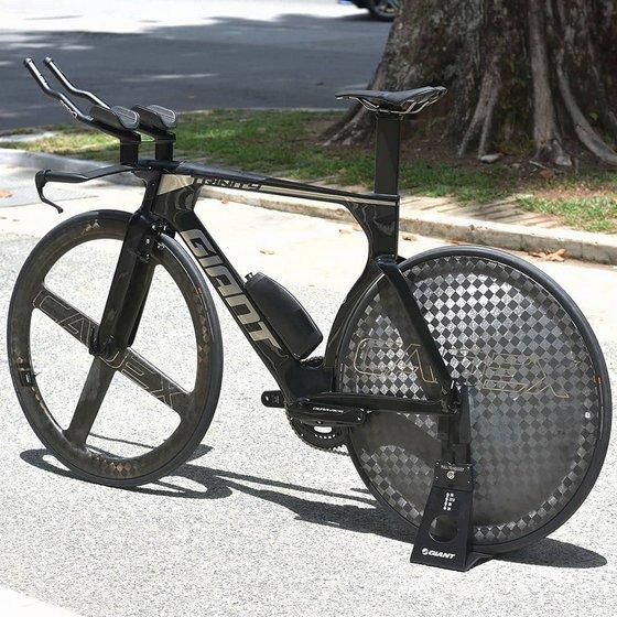 Giant Trinity Advanced Triathlon Bike.