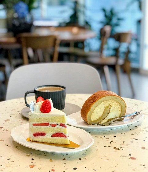 Pastry Cafe in Singapore - FLOR Patisserie.